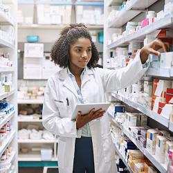 Comment devenir Préparateur en pharmacie : Formation, Métier, salaire,